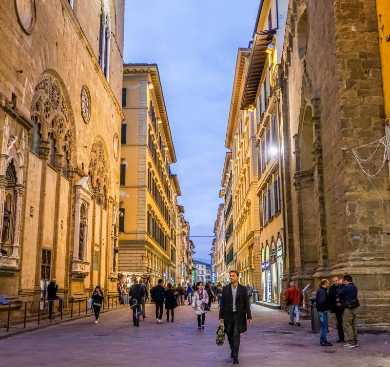 What to pack for Florence Italy - smart things you should bring when you visit Florence.