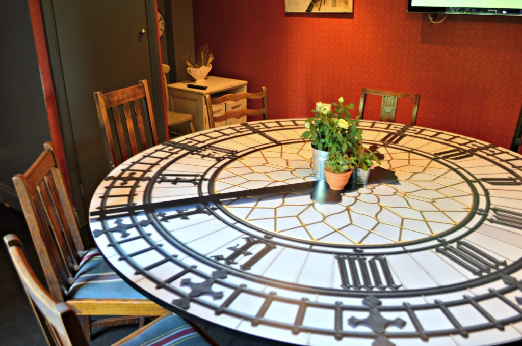 clock table bumpkin london