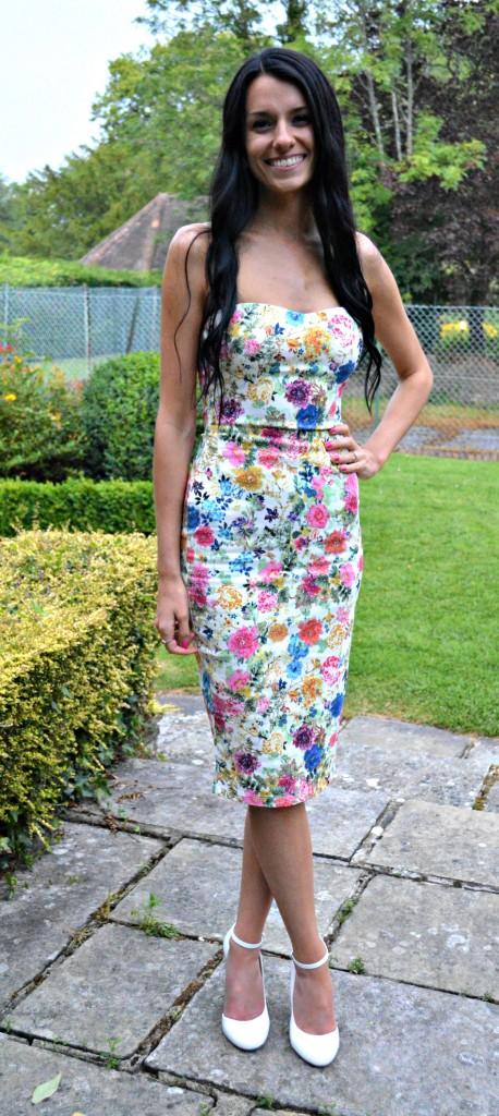 dress for summer english wedding