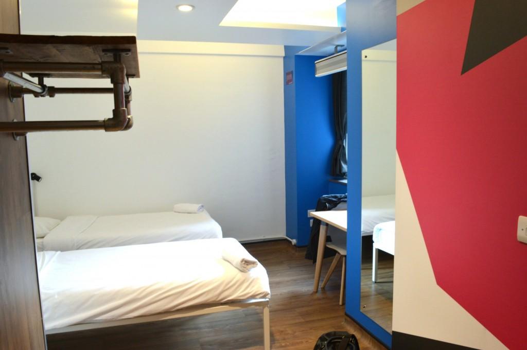 generator hostel private room
