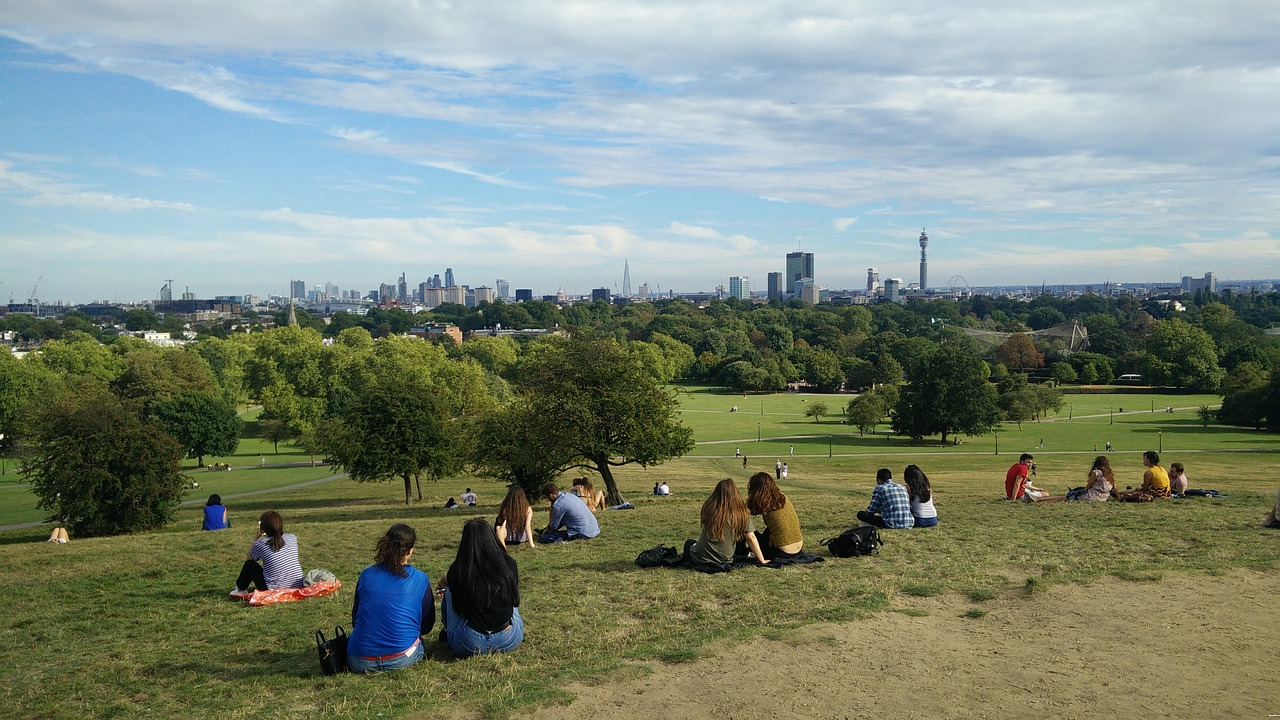 How to Experience London Like a Local (How Londoners Do It)