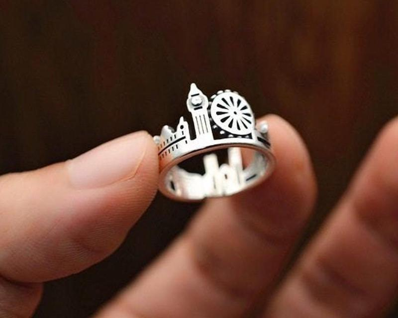 Jewellery ideas to gift/ City London Sterling Silver Ring, Skyline Ring, London Ring, Travel Ring, Wanderlust Jewelry, Travel Jewelry, City Scape Ring, London Map