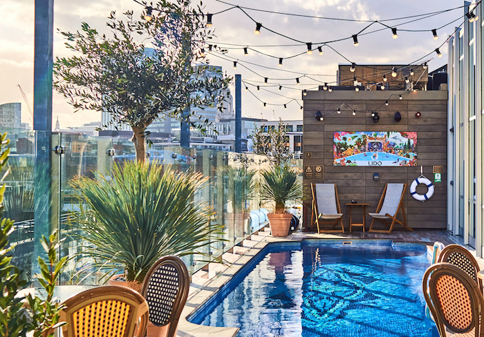 Rooftop Bars at London Hotels - The Curtain